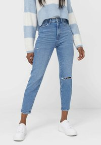 Stradivarius - MOM - Slim fit jeans - blue - 0