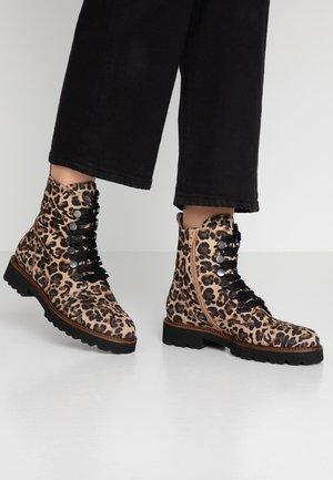 Platform ankle boots - natur