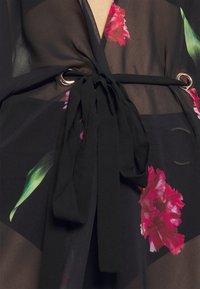 Pour Moi - LUXE PRINT MAXI KIMONO - Doplňky na pláž - black/pink - 4