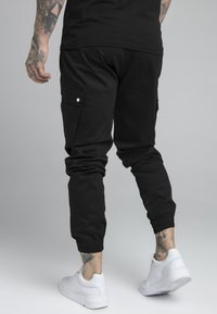 SIKSILK - FITTED CUFF PANTS - Pantalones cargo - black - 2