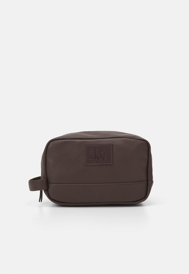 ZIP WASHBAG - Wash bag - brown