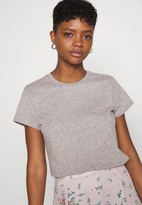 Lee - SLIM FIT TEE - Basic T-shirt - grey mele - 3