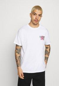 Brave Soul - FIRE - T-shirt imprimé - white - 2