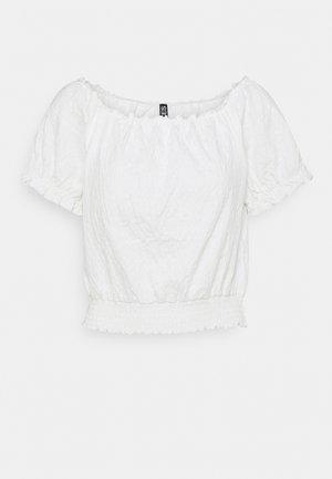 PCLEAF CROPPED SMOCK - Camiseta estampada - cloud dancer