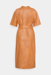 Ibana - DAVINE - Denní šaty - cognac - 1