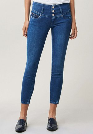 MYSTERY PUSH UP CAPRI - Jeans Skinny Fit - blau