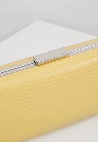 PARFOIS - Clutch - yellow - 6