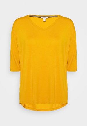 Basic T-shirt - brass yellow