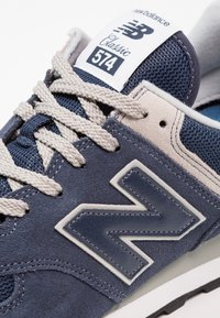 New Balance - Sneakersy niskie - black iris - 5
