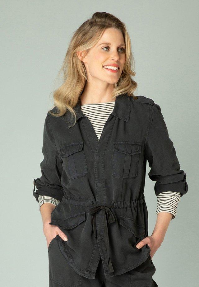 Denim jacket - washed black