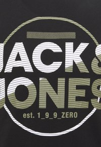 Jack & Jones - JCOSTAR TEE CREW NECK - Camiseta estampada - black - 5