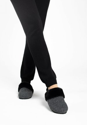 MAIK - Slippers - anthracite