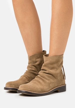 LUCENA - Classic ankle boots - beige