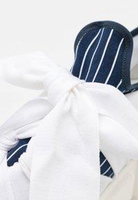 MM6 Maison Margiela - Nazouvací boty - true blue/white - 6