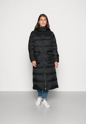 GAIAGRO LONG JACKET - Zimní kabát - pitch black shiny
