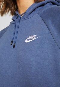 Nike Sportswear - HOODIE - Sweat à capuche - diffused blue/white - 5
