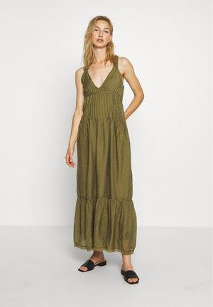 FRANKIE PINTUCK - Vestido largo - olive