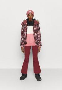 Roxy - JET SKI - Snowboard jacket - oxblood red - 1