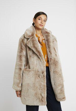 Zimní kabát - sand
