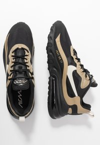 Nike Sportswear - AIR MAX 270 REACT RVL - Sneakers basse - black/light bone/khaki/metallic gold - 1