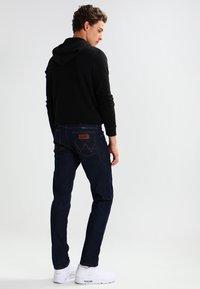 Wrangler - GREENSBORO - Jeans straight leg - ocean squall - 2