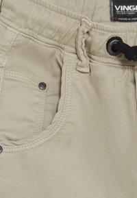 Vingino - CALANDO - Cargo trousers - sand - 2