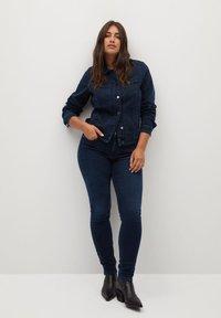 Violeta by Mango - SOFIA - Jeans Skinny Fit - intensives dunkelblau - 1