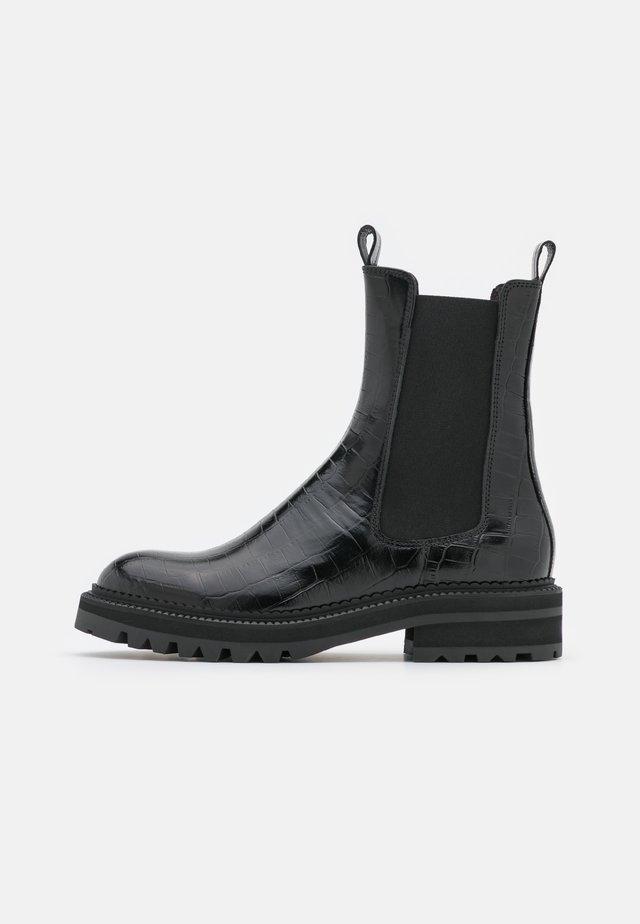 Kotníkové boty na platformě - black monterrey