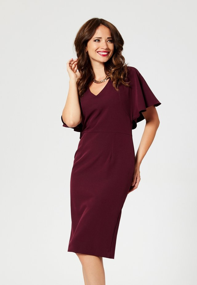 Robe fourreau - maroon