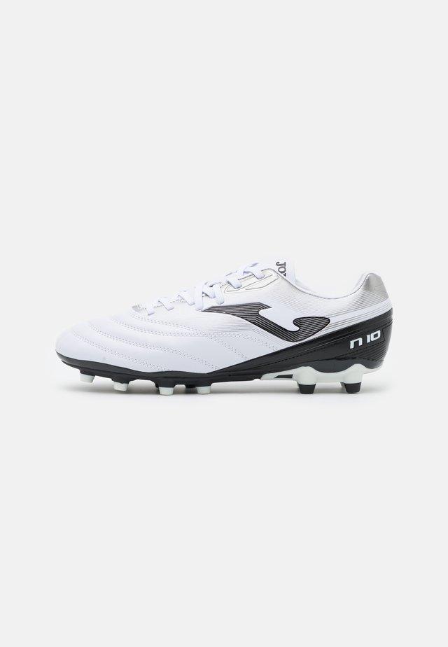 N10 - Tekonurmikengät - white/black