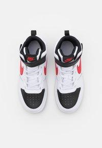 Nike Sportswear - COURT BOROUGH MID UNISEX - Sneakers hoog - white/university red/black - 3
