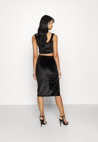 Glamorous - MIDI SKIRT WITH FRONT SIDE SPLIT - Jupe crayon - black - 2