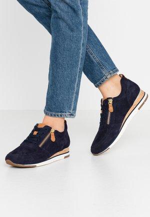 Sneakers laag - bluette/cognac