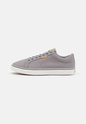 JFWCARTER - Sneakersy niskie - frost grey