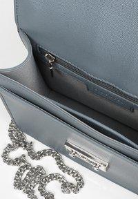 Seidenfelt - Across body bag - shady blue - 4