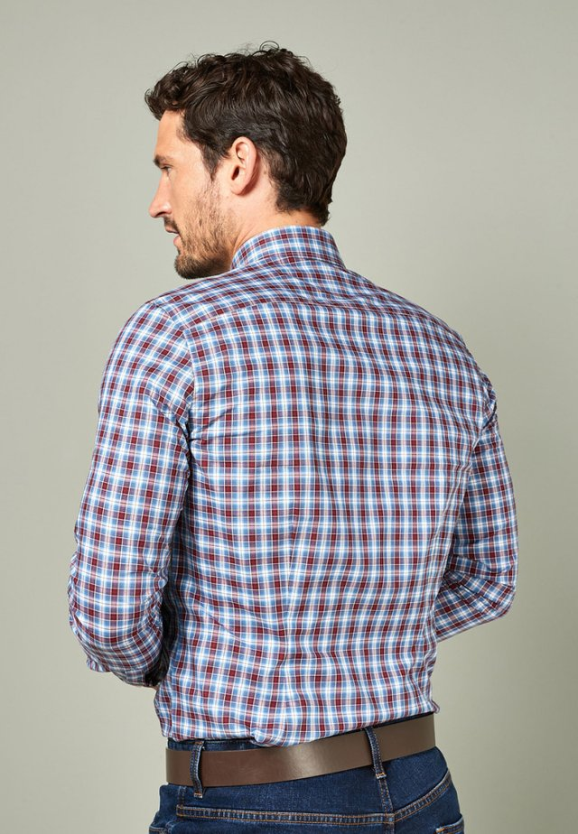 BURGUNDY SIGNATURE CHECK SLIM FIT SHIRT - Košile - red