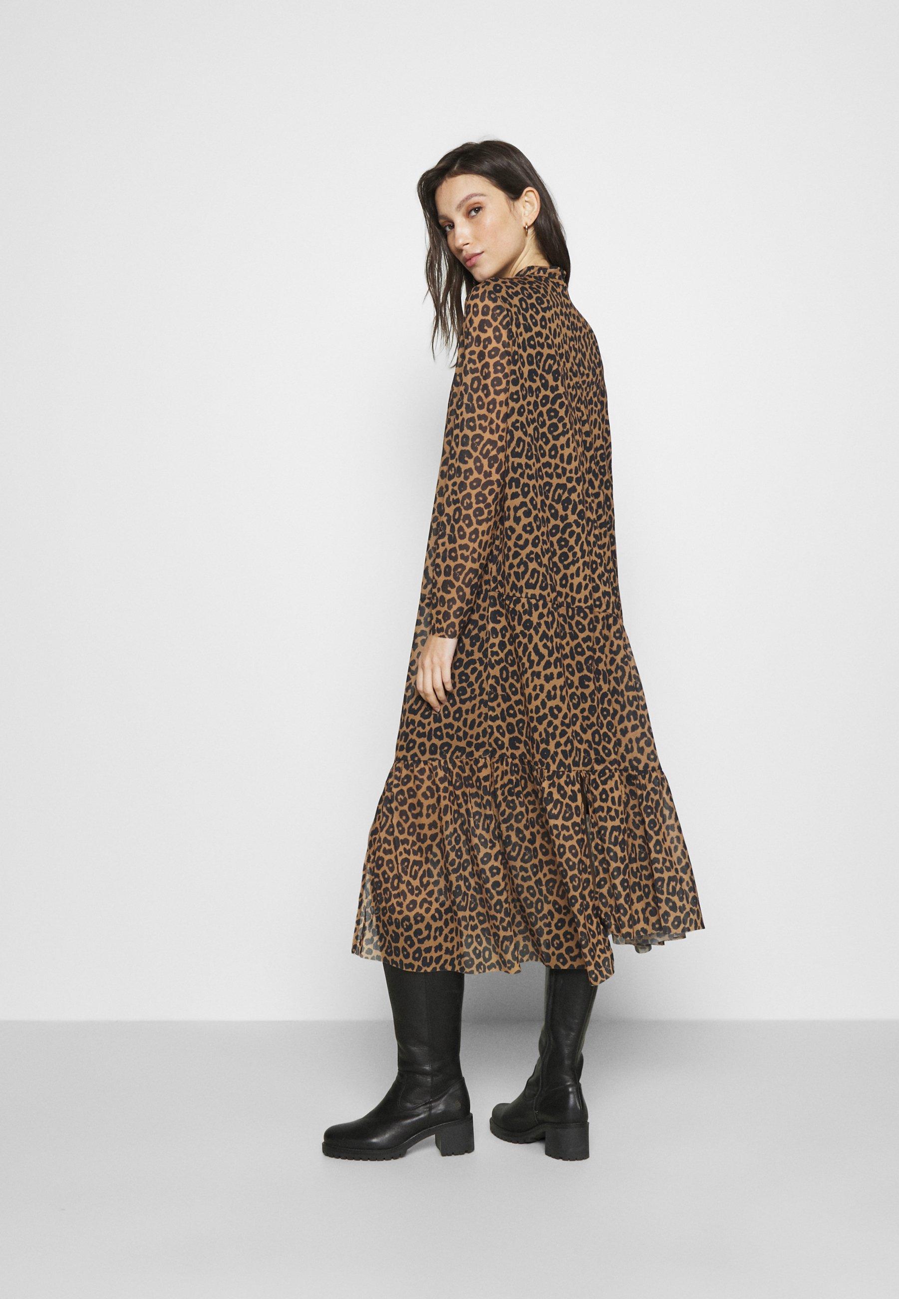 EDITED LICIA DRESS Freizeitkleid mischfarben/mehrfarbig