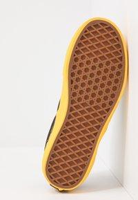Vans - CLASSIC UNISEX - Slip-ins - multicolor - 5
