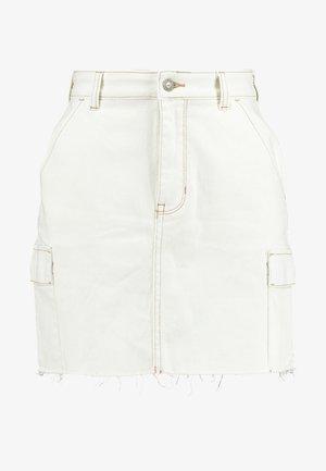 ULTRA HIGH RISE CARGO SKIRT - Spódnica ołówkowa  - white