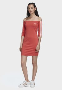 adidas Originals - OFF-THE-SHOULDER DRESS - Jersey dress - red - 0