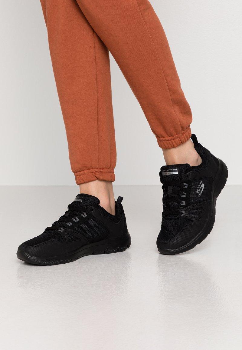 Skechers Wide Fit - SUMMITS WIDE FIT - Sneakers laag - black