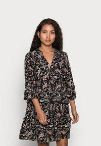 Vero Moda Petite - VMSIMPLY EASY SHORT DRESS - Denní šaty - black - 0
