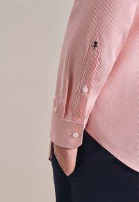 Seidensticker - BUSINESS SLIM - Shirt - rot - 2