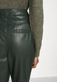 EDITED - MARJELLA TROUSERS - Trousers - grün - 4