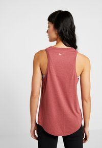 Nike Performance - DRY TANK YOGA  - T-shirt de sport - dark red - 2