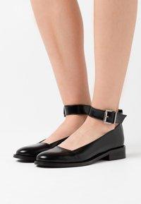 NAE Vegan Shoes - LOLA VEGAN - Avokkaat - black - 0