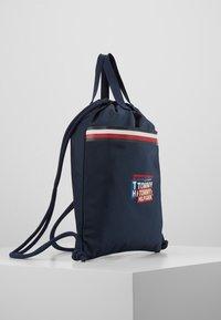 Tommy Hilfiger - KIDS CORP DRAWSTRING BACKPACK - Sportovní taška - blue - 4