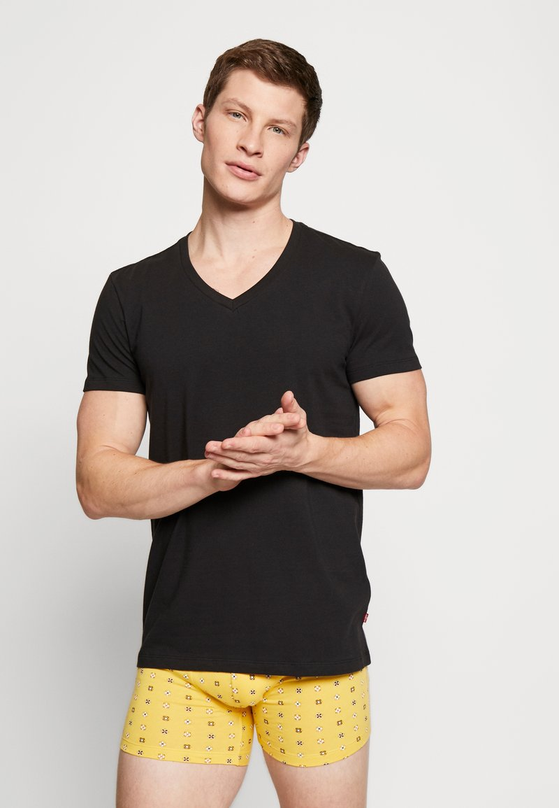 Levi's® - MEN V-NECK 2 PACK - Unterhemd/-shirt - jet black