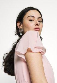 Dorothy Perkins - BLUSH PLEAT FRONT KEYHOLE MAXI DRESS - Iltapuku - pink - 3