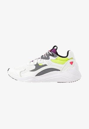 DAKU - Trainers - white/fluro